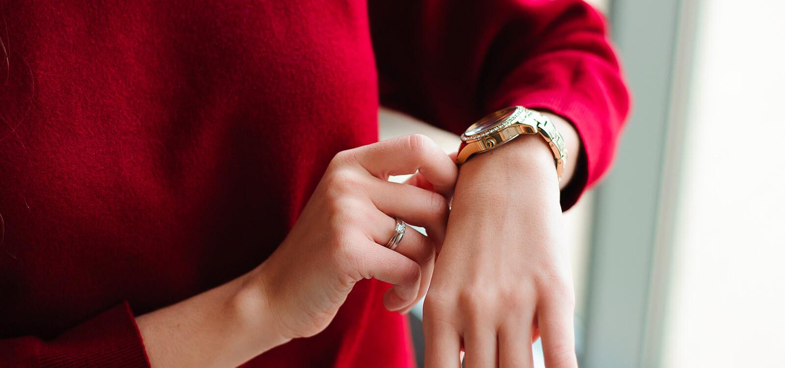 Zegarek dla szefowej - na co zwrócić uwagę?